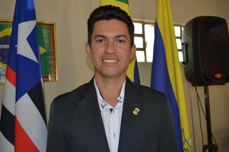 Roni Marcelino solicita melhorias em ruas do povoado Batata da Terra